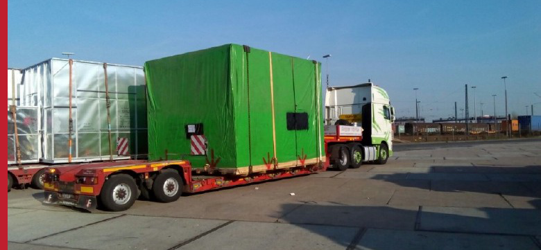 Project cargo, all-vehicle transport, land transport, special transport from the port of Hamburg